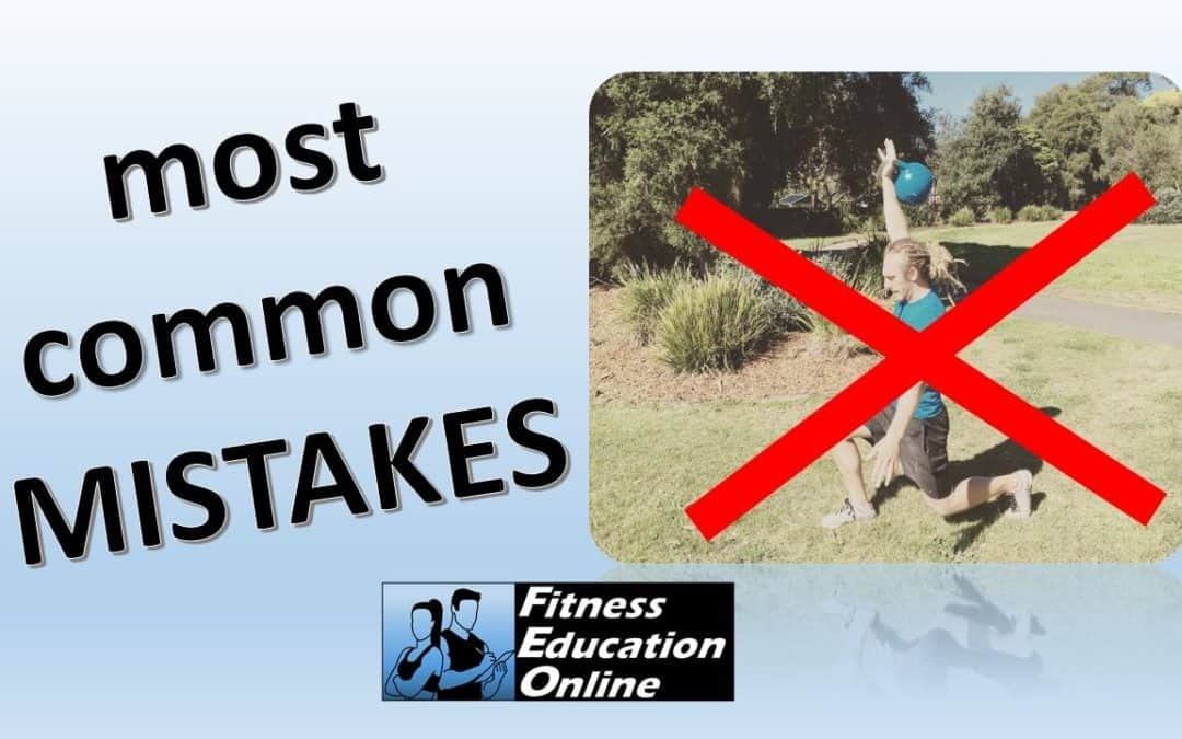 Kettlebell – Most common mistake: over squatting!